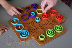 OTRIO-Tic Tac Toe with a Twist and Fun for the Whole Family