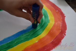 Simple rainbow craft for toddlers and preschool using Kwik Stix