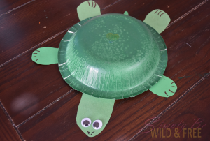 make a turtle using this printable template and a paper bowl or plate